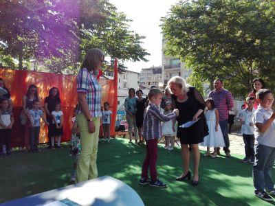 Връчване на удостоверенията на децата от випуск 2017 - ДГ Пролет - Сандански