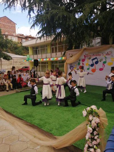 """IX -ти фестивал на танцовото изкуство """"Танцувайте с нас"""" - ДГ Пролет - Сандански"""
